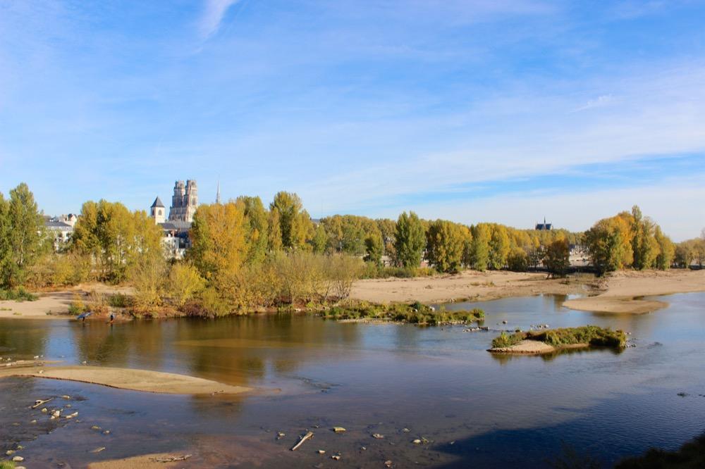 Bords de Loire et cathédrale d'Orléans
