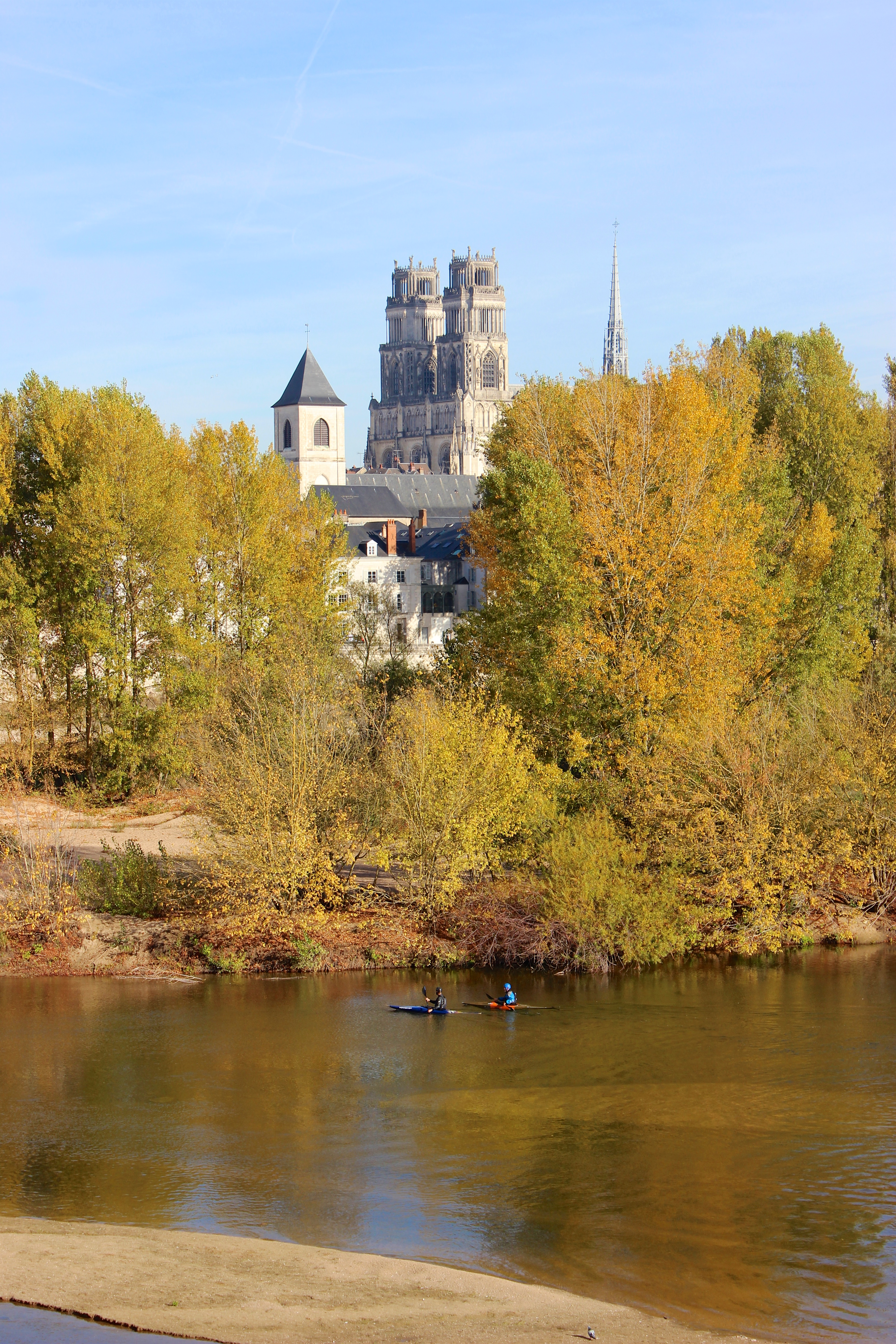 Cathédrale Orléans Loire canoë photo libre de droits