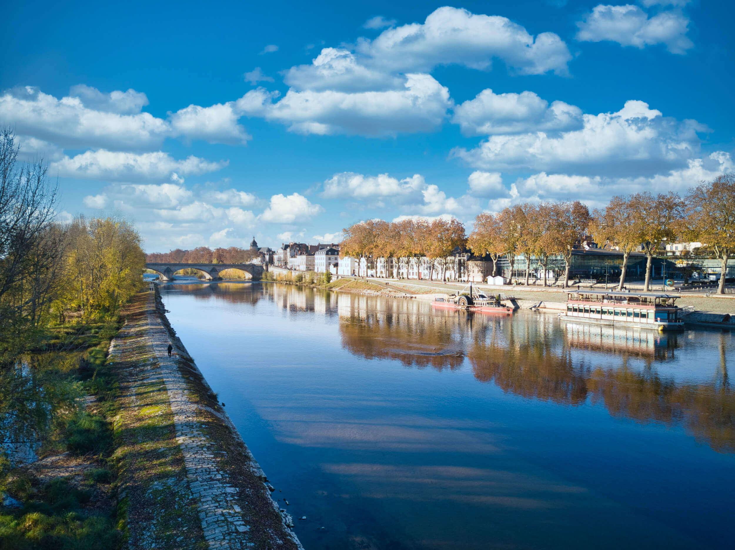 Quai du châtelet depuis la Loire