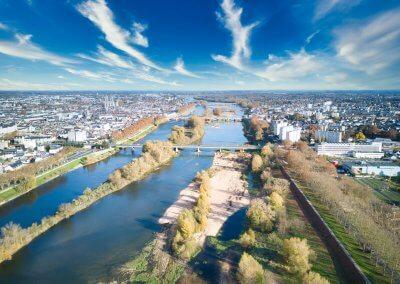 Orléans et la Loire vus de drone