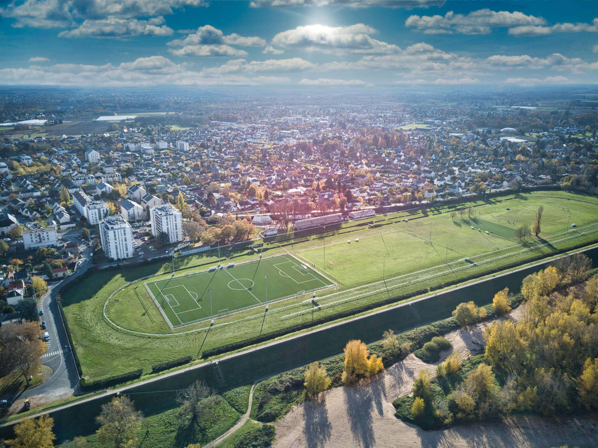 Hippodrome d'Orléans vu de drone en automne