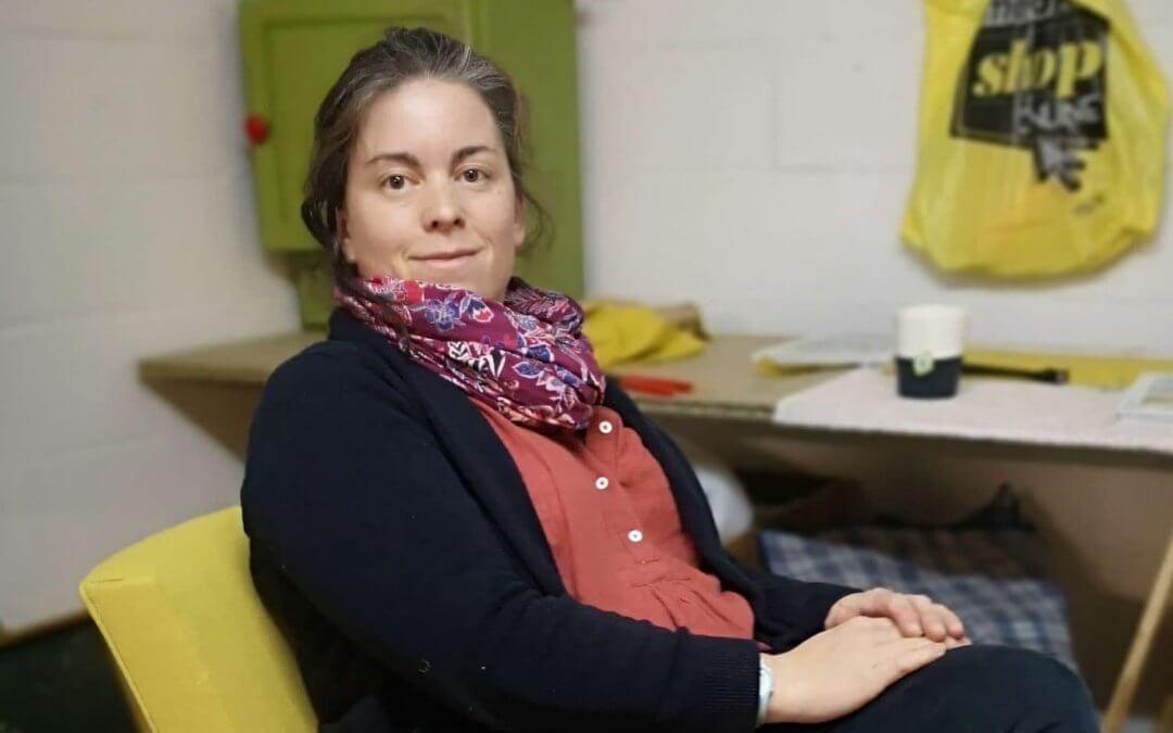 Zoë Afonso : une tapissière passionnée et mère de famille nombreuse